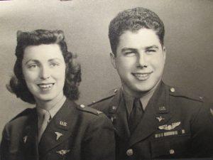 Le pilote et l'infirmière du Jour J, par Stephen P. Pedone, Lt. Col., USAF, Ret.